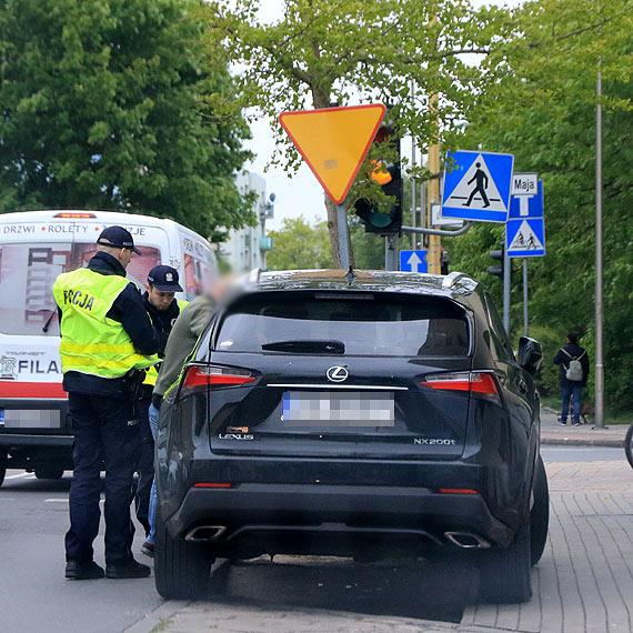Świnoujscy policjanci odzyskali utraconego Lexusa o rynkowej wartości ponad 100 tysięcy złotych
