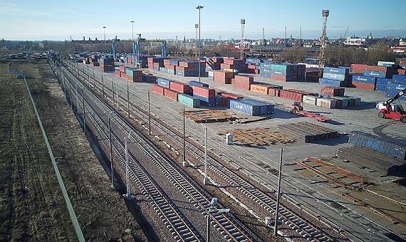 Portowe szlaki kolejowe zmieniają się na lepsze